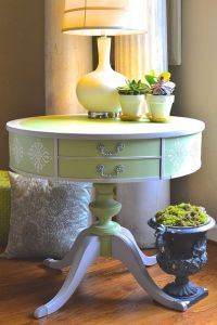 use-fusion-products-to-create-texture-and-bling-on-a-boring-side-table-how-to-painted-furniture